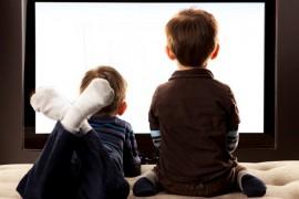 Copiii sunt influenţaţi negativ de programele de televiziune din România