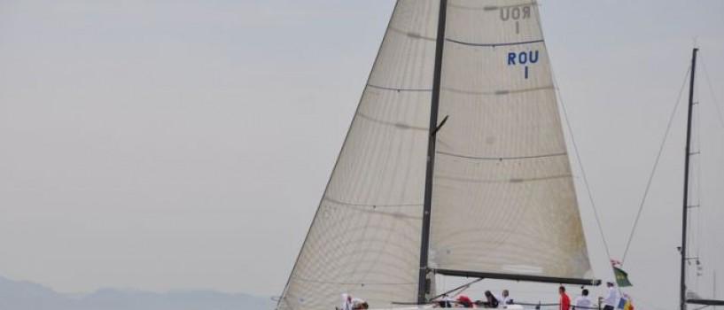 Lucian Mindruta se antreneaza pentru un prestigios concurs international pe cel mai rapid velier de pe coasta romaneasca a Marii Negre
