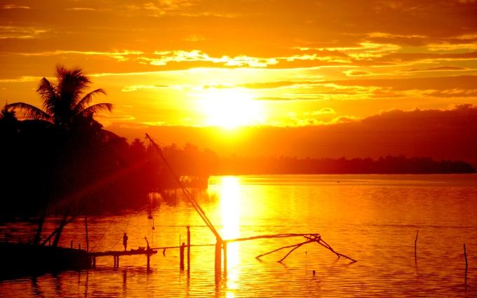 Soarele produce muzica