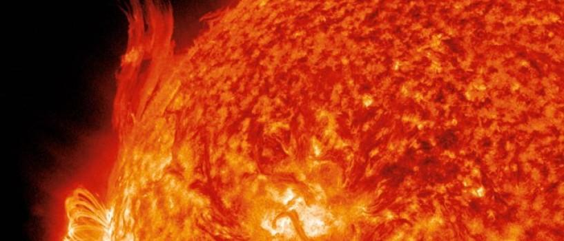 Terra este lovita astazi de un adevarat tsunami solar