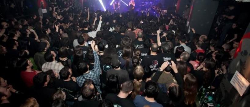 Zece minute de aplauze, aseara, la finalul concertului Epica!