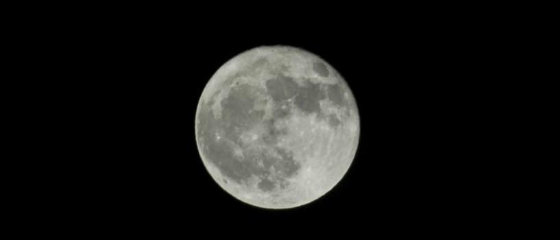 Super Luna de maine: cu 14% mai mare si 30% mai stralucitoare!
