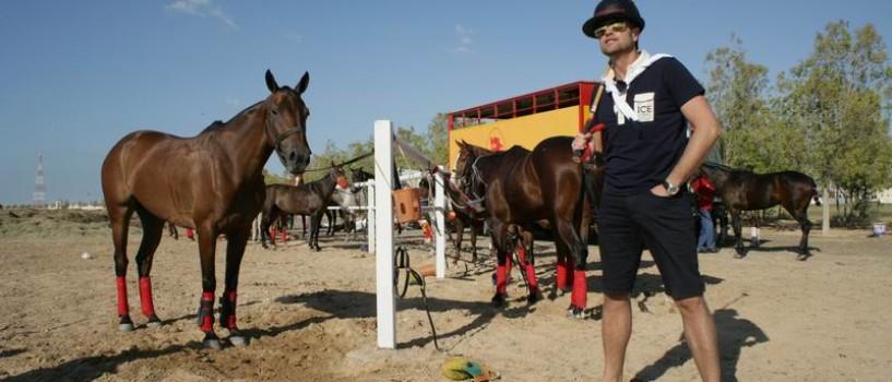 NTM: Shooting exclusivist alãturi de cele mai scumpe exemplare de cai din Dubai!