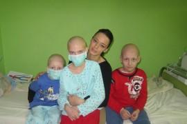 Andreea Raicu sprijina copiii bolnavi de cancer