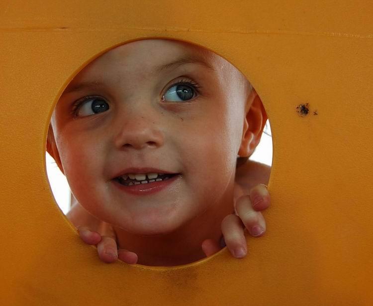 In pantec, un documentar despre miracolul nasterii, duminica pe National Geographic!