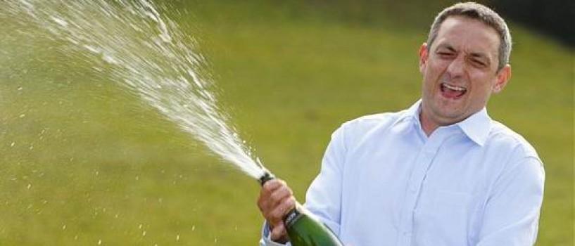 Un britanic a castigat 18 milioane de lire sterline la loto dar nu a cheltuit inca niciun ban!
