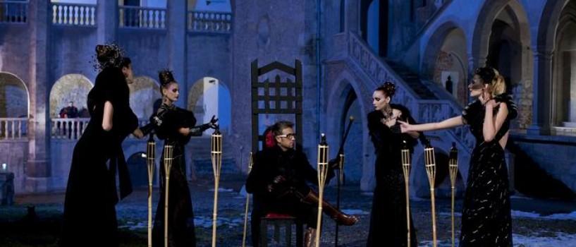 Concurentele Next Top Model s-au transformat in vampirite!