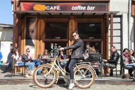 """Gustul dragostei"": primul videoclip ""one shot"" marca Stefan Banica!"