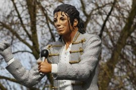 """Mohammed Al-Fayed, singurul """"fan"""" al statuii lui Michael Jackson!?"""