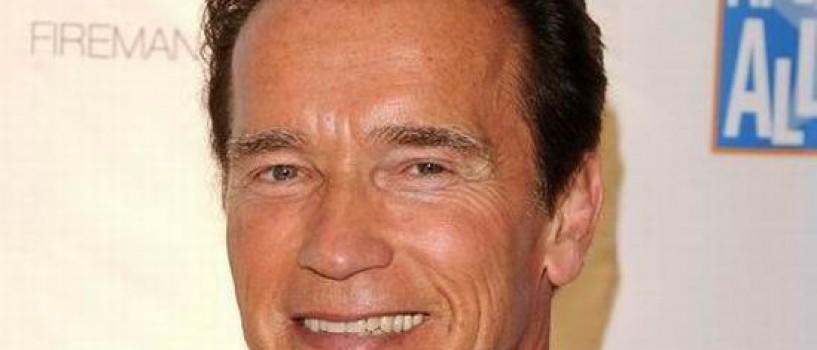 """""""Terminator"""" a marturisit: are un copil cu o alta femeie!"""