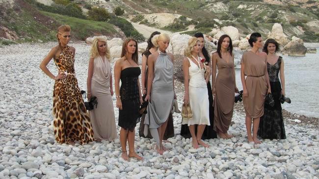 Burlacul îşi duce Afroditele în Cipru