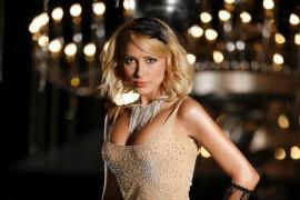 "Cum danseaza Iulia Vantur intr-o ""noapte fierbinte""?"