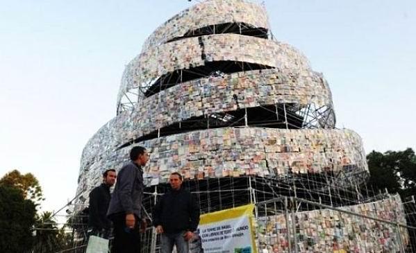 Argentinienii au construit un Turn Babel din carti!