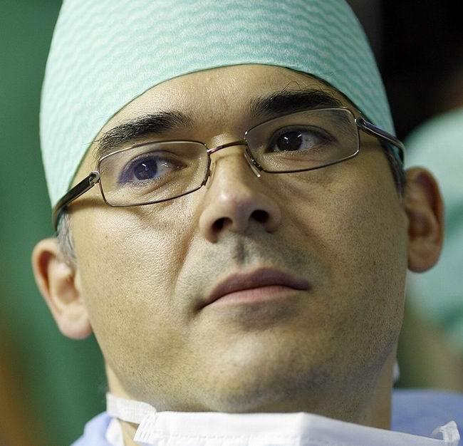 Medicul Adrian Lobonţiu este invitat sambata la Profesionistii!