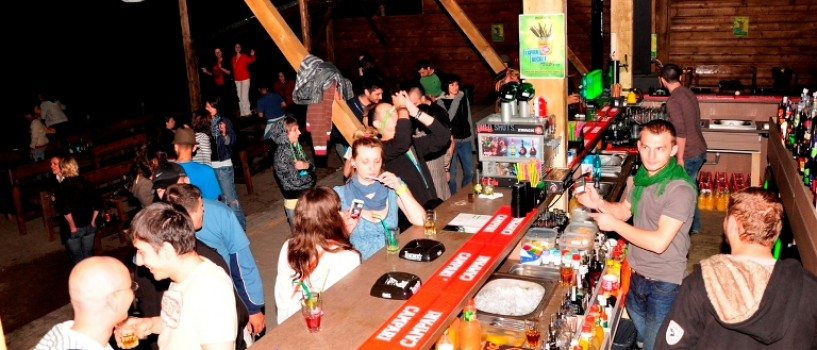 Atmosfera de Vama Veche  se muta pentru un weekend la Bucuresti!
