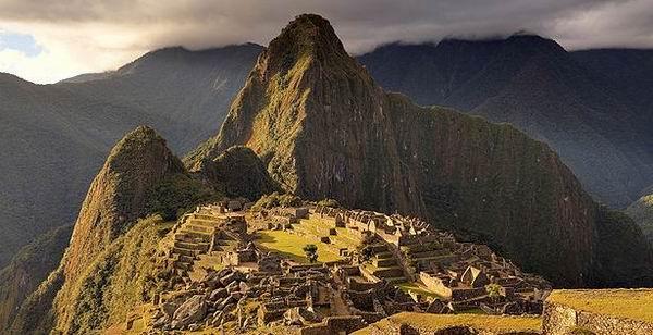 100 de ani de la redescoperirea enigmaticului Machu Picchu...