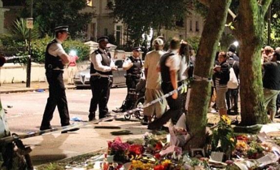 Fanii lui Amy Winehouse s-au imbatat, au cantat si au dansat in memoria artistei!