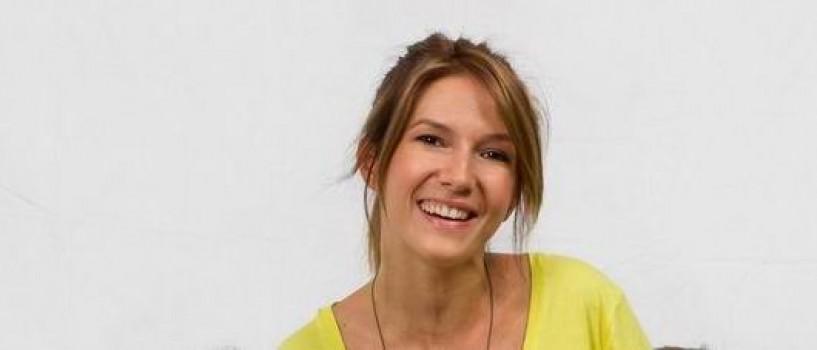 Adela Popescu i-a taiat motul nepoatei ei, Natalia!