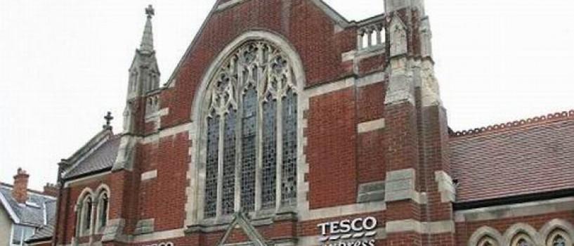 O biserica din UK a fost transformata in supermarket!