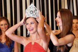 Larisa Popa merge la Miss Universe 2011!