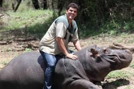 """Fermier african – mutilat de hipopotamul care-i era """"ca un fiu""""!"""