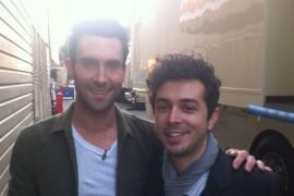 Marius Moga l-a cunoscut pe solistul trupei Maroon5 pe platourile de la The Voice (SUA)!