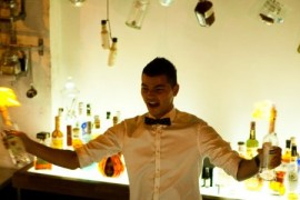 """Luca Valentin, finalistul de la """"Romanii au talent"""" si-a deschis oficial barul"""
