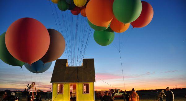 Cum construiesti o casa zburatoare? Vezi maine pe National Geographic!