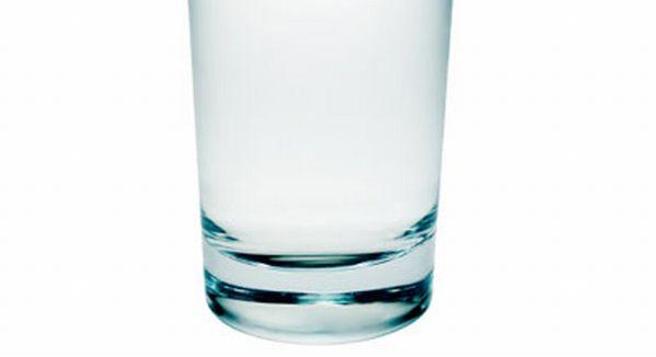 Prost dispus si lipsit de energie? Bea un pahar cu apa!