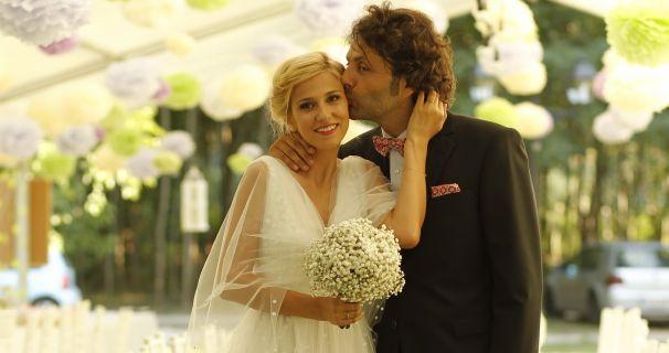 Dana Rogoz si Radu Dragomir - nunta de vis la Palatul Mogosoaia!