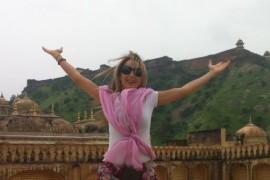 """Florentina Opris descopera Tibetul: """"Ma rog pentru Sorin in manastirile sacre"""""""
