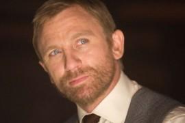Lui Daniel Craig i-a fost rusine sa-si dea chilotii jos pentru scena de la dus!