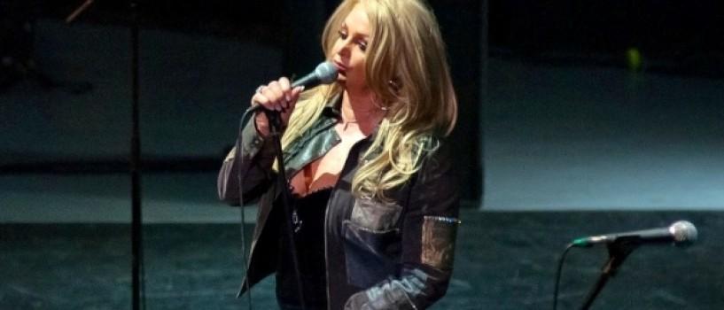 Bonnie Tyler a oferit un concert plin de energie fanilor sai