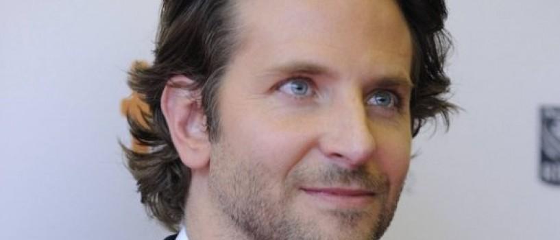 Bradley Cooper are 5 mameloane!!!