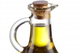 """Uleiul de masline si tonul, pe lista """"alimentelor sanatoase"""" contaminate cu aditivi ieftini"""