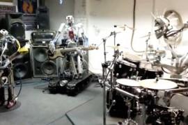 O trupa heavy metal formata din roboti a dat lovitura pe Internet (VIDEO)