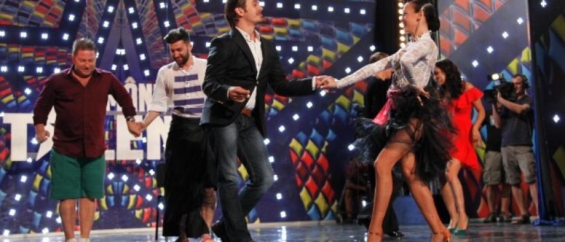 Mihai Petre – demonstratie de dans pe scena de la Romanii au talent