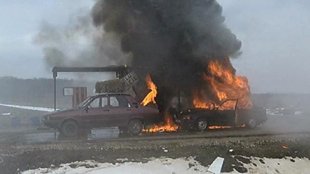 Ghici cine i-a distrus masina de lux Danielei Crudu!!!