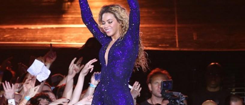 Beyonce a primit o palma la fund in timpul concertului de la Copenhaga!