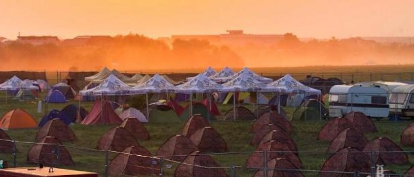 Corturi de inchiriat si asistenta tehnica in campingul B'ESTFEST Summer Camp!