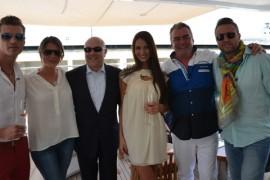 Bogdan Vlãdãu si pretendentele lui urca la bordul yacht-ului lui Frank Muller