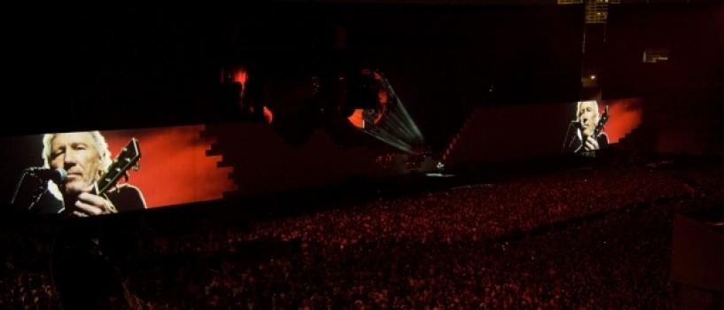 Roger Waters se intalneste cu militari romani la Bucuresti!