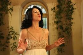 Angela Gheorghiu lanseaza un nou videoclip pentru piesa Copacul