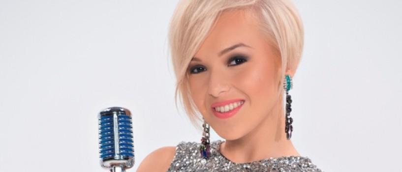 3 baieti si-o domnisoara merg la X Factor in finala!