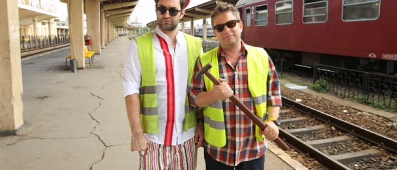 Smiley si Pavel Bartos au testat meserii noi in timpul caravanei Romanii au talent