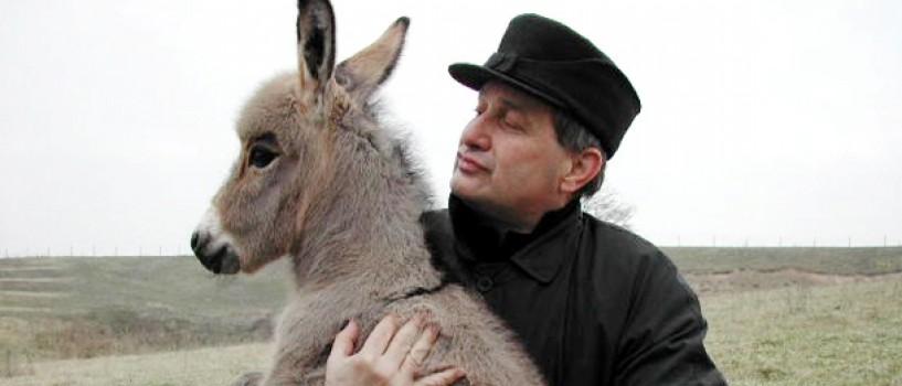Mircea Dinescu aduce retetele vechilor ospete boieresti, din martie, la TVR!