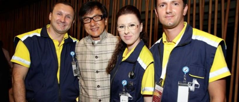 Jackie Chan, insotit in permanenta de o echipa medicala la Bucuresti!