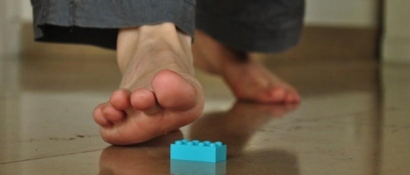De ce doare atat de tare sa calci pe o piesa Lego?