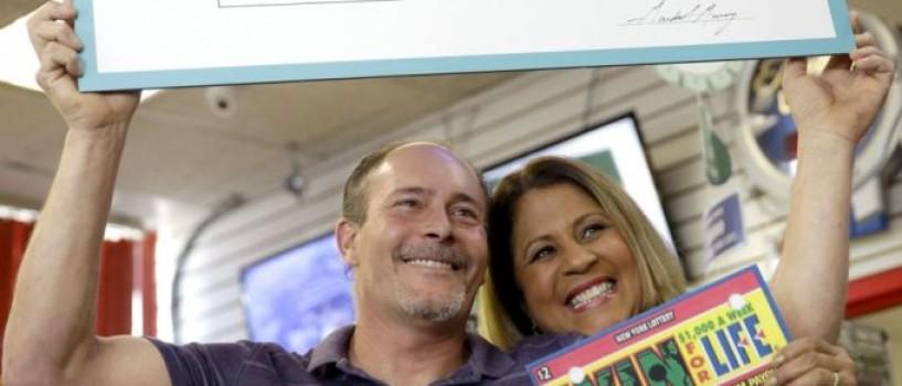Are noroc cu carul: un newyorkez a castigat pentru a doua oara marele premiu la loterie!