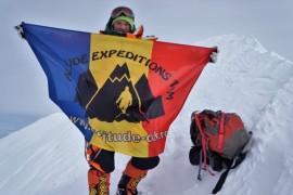 Alpinista Dor Geta Popescu a cucerit cel mai rece munte din lume!